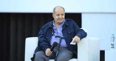 وفاة الكاتب الكبير وحيد حامد عن عمر يناهز 76 عاما